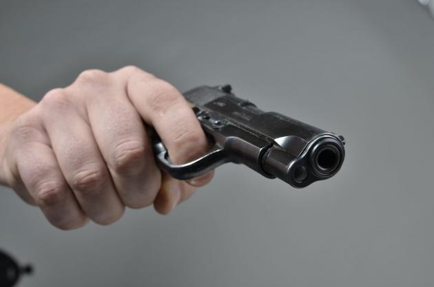 pistolj-111