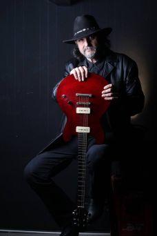 Gitarologija-Crnke