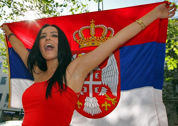 serbian-girl_world-cup-2010_09