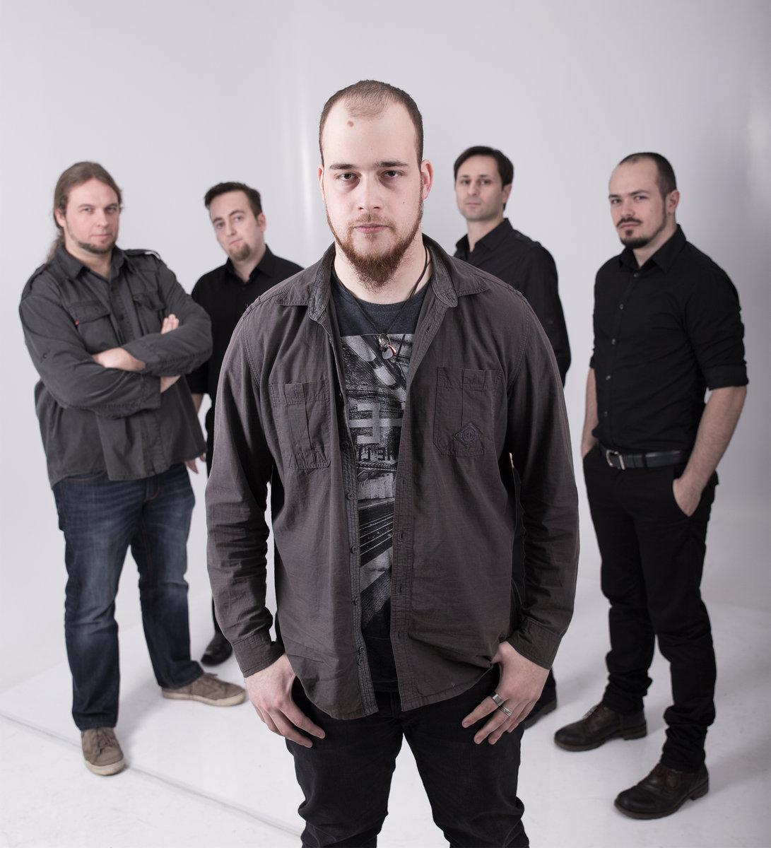 asymmetry-band