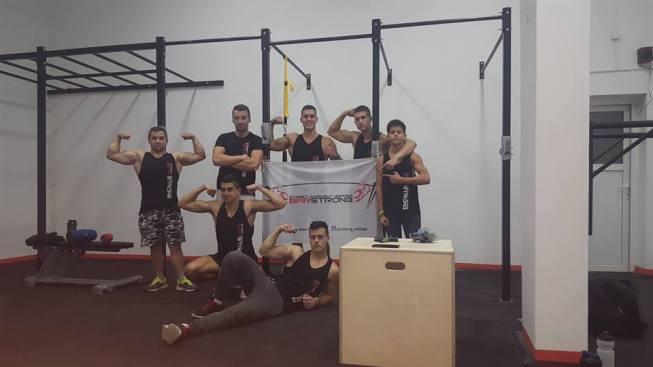 treniranje-zatvorena-varijanta-fitnes-addiction-centar