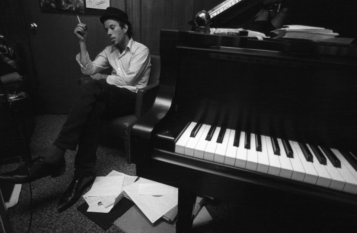 tom-waits_piano