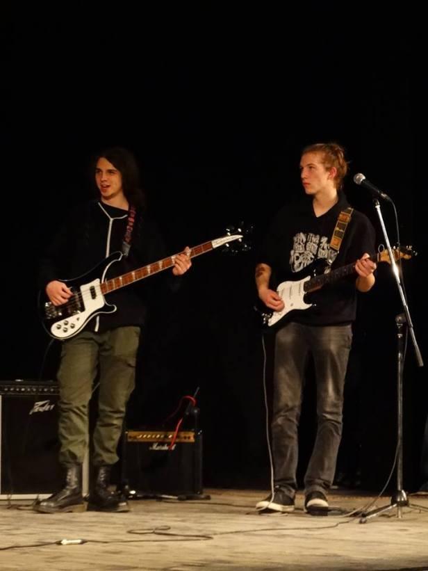 Crossroad-duo-guitar