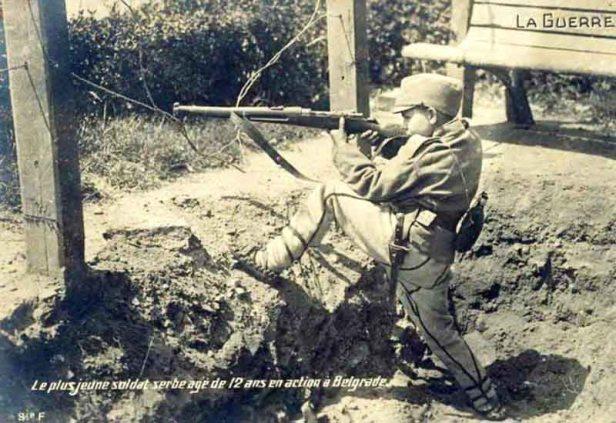Dragoljub-Jelicic-sa-12-godina-brani-Beograd-1914.-godine-670x461