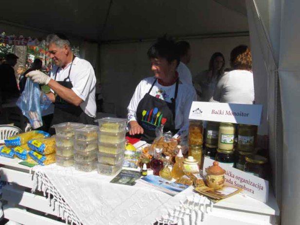 festival-gastronomije-novi-sad-2017-liman-park-dotkom (14)