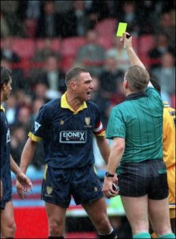 Vinnie-yellow-card