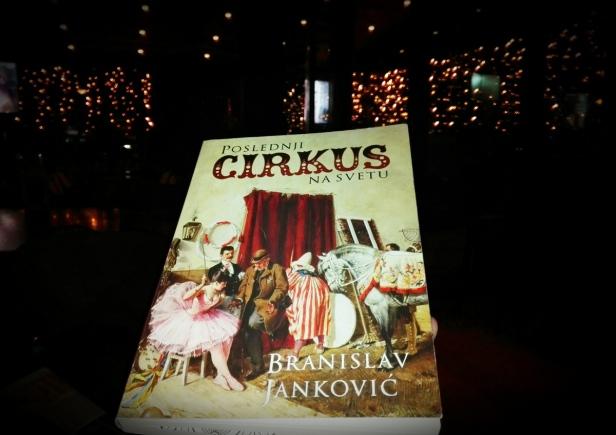 Poslednji-cirkus-na-svetu-naslovna