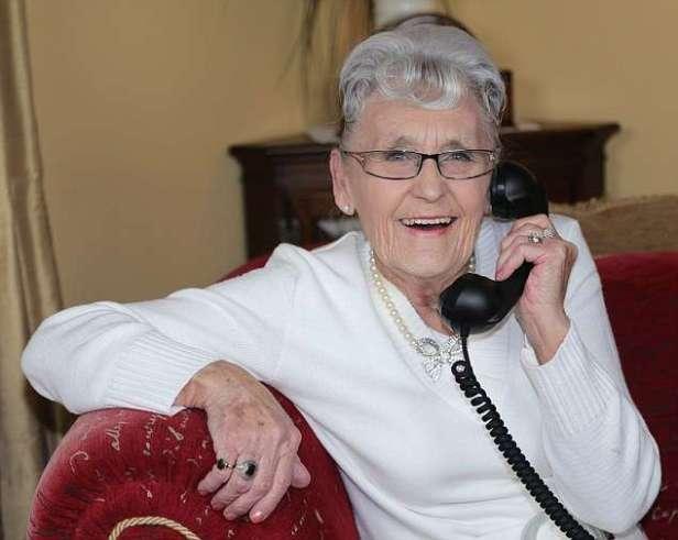 grandma-with-telephone-1